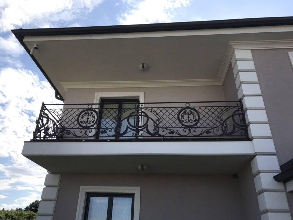 балкон из бетона в частном доме