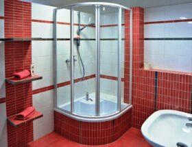 Дизайн ванной с душевой кабиной