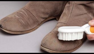 Как чистить замшевую обувь от пыли и грязи в домашних условиях